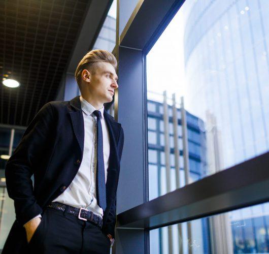 young-businessman-EHGK2E6-min